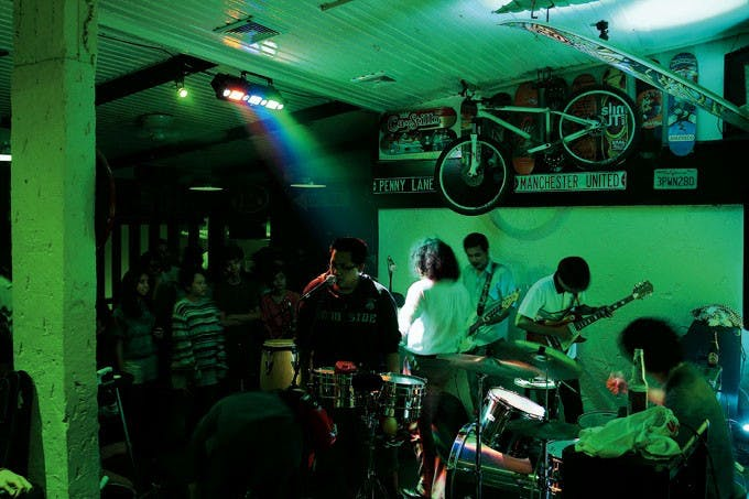 Indie band setting the mood for the crowd at Route 196. Photo by Dane Soriano