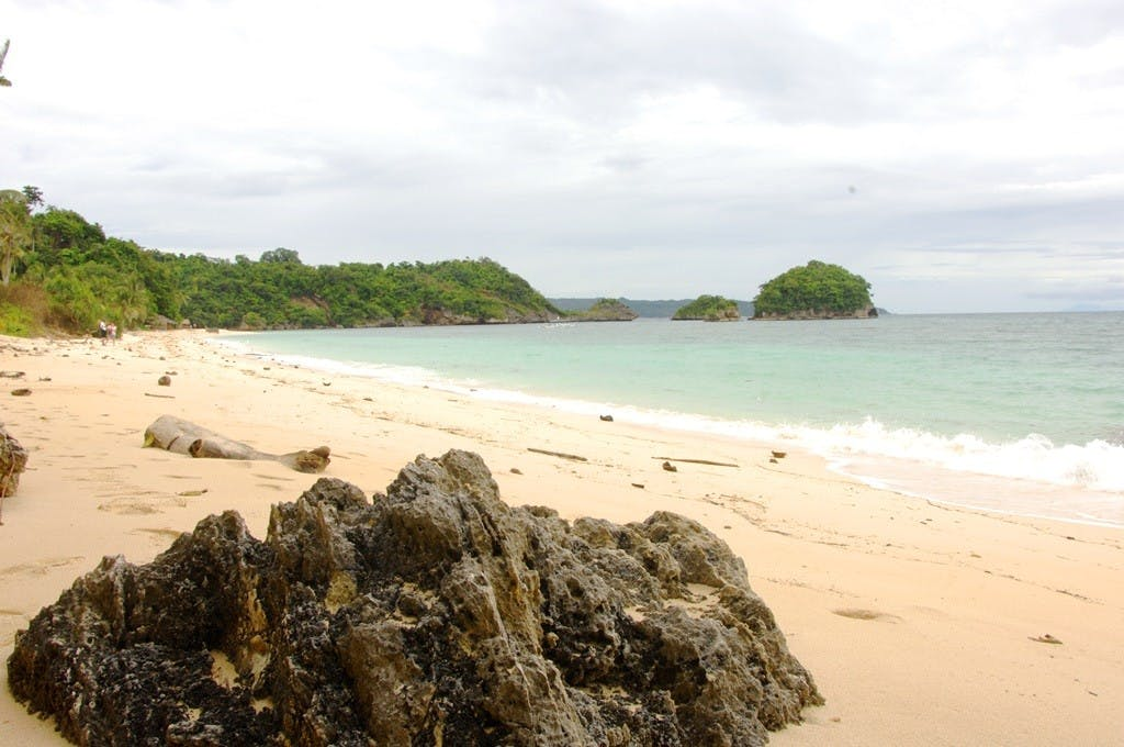 Ilig-iligan beach. Photo by Carlos Legaspi