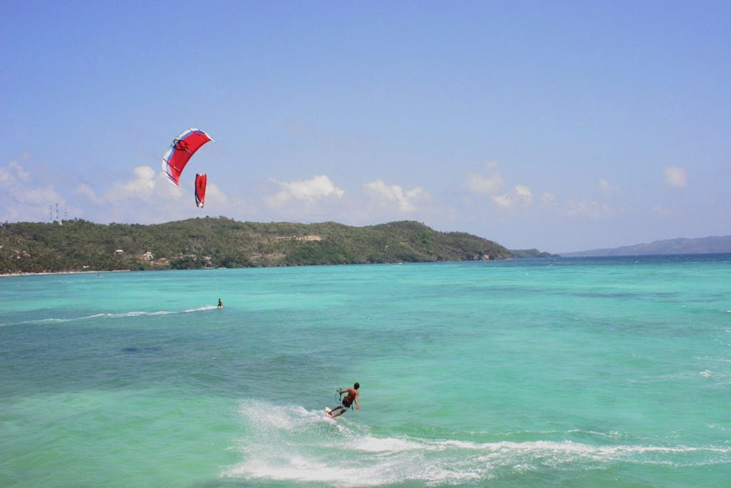 Kiteboarding in Boracay. Photo by Che Mambong