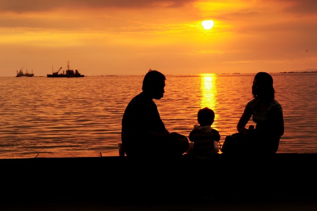 The famous Manila Bay sunset. Photo by Erik Liongoren