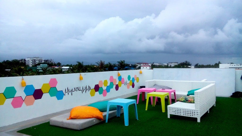 The MNL roofdeck is where the partying goes on
