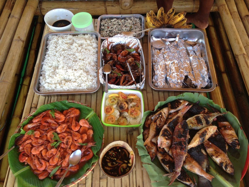 Seafood feast at Panumbagan sandbar