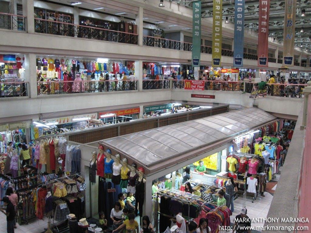 Inside Tutuban Mall pinched from markmaranga.com